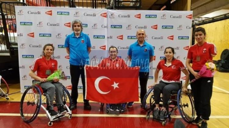 Badminton Turnuvası'nda 4 Madalya